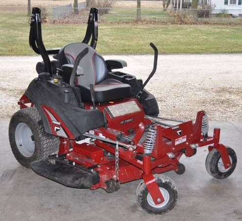 Photo 52quot Zero Turn Commercial Mower -FERRIS - $6300 (Troy, MO)