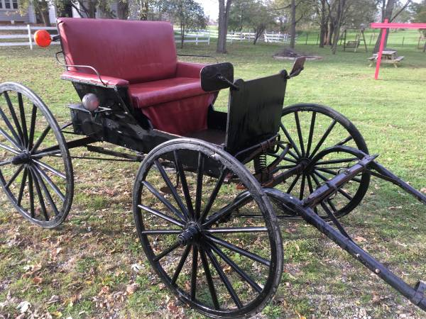Photo Antique horse drawn buggy - $1495 (Athens)