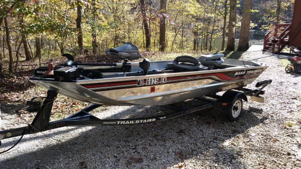 Photo Bass Tracker Pro 15 - $2,900 (Wentzville)