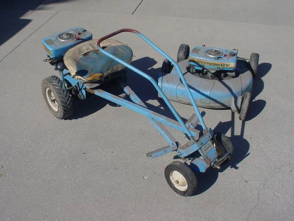Photo FOR SALE OLD LAWN BOY LOAFER RIDING MOWER 9212 4301 (Central Illinois)