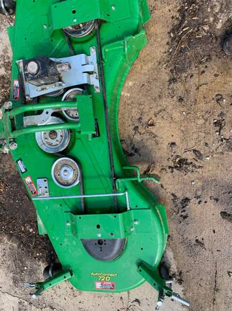 Photo John Deere 72D Quick Connect Mower and Canopy - $1,300 (Dawson)