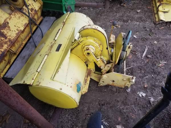 Photo John Deere Garden Tractor Tiller E0620 33 120-140-300- 312-316-314-317 - $350 (Gillespie)