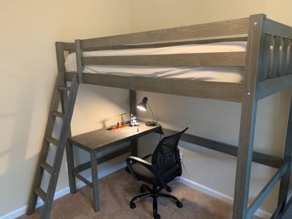 Photo Kids loft bed - Twin size - $250 (Williamsville)