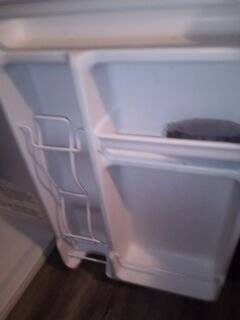 Photo Mini fridge with freezer - $140 (Springfield)