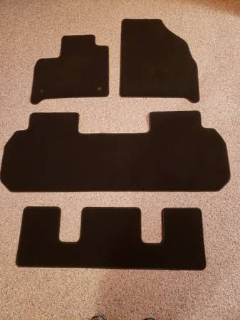 Photo NEW Floormats for 2018 thru 2020 Chevy Traverse or Buick Enclave - $20 (Springfield)