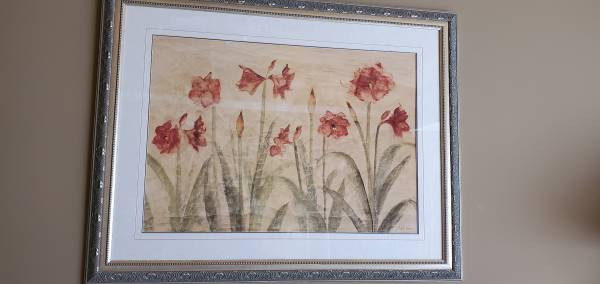 Photo Picture of leafy flowers in an ornate frame, with glass front - $35 (CHESTERFIELD)