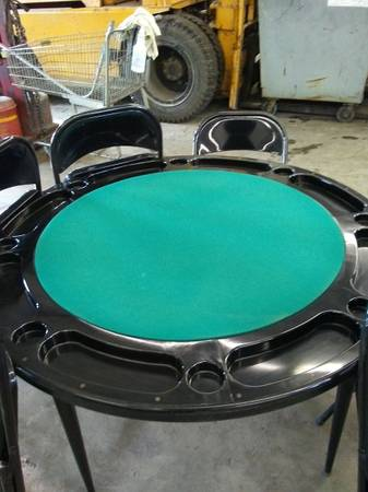 Photo Poker Table and Chairs - $125 (Springfield)