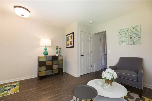 Photo Rent A Townhome At The Boulevard  Make Your New Home Your Happy Place (Springfield)