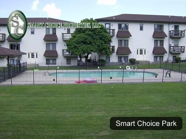 Photo Smart Choice Park-Park like setting, Spacious, pool (Springfield)