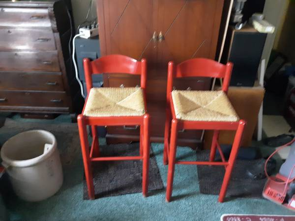 Photo Two bar chairs - $20 (Chatham)