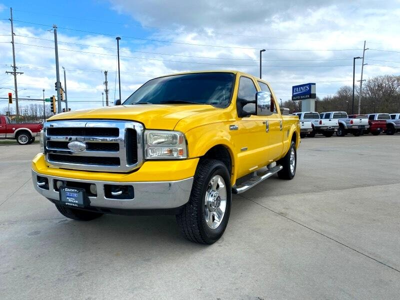 Photo Used 2006 Ford F250 4x4 Crew Cab Lariat for sale