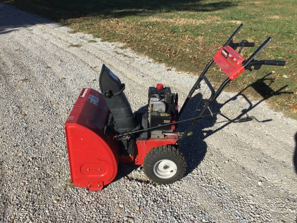 Photo Yard Machines 5.5-HP Two-Stage a Snowblower with Electric Start - $350 (Rochester, Illinois)