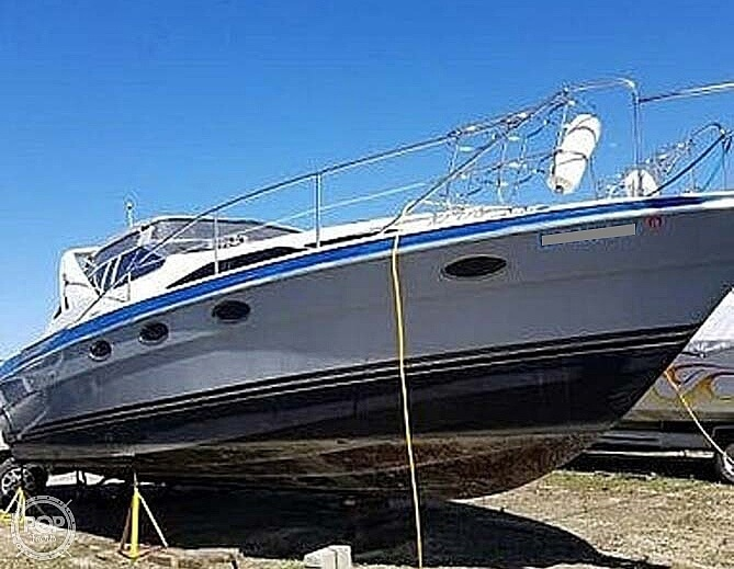 Photo 1989 Bayliner 3485 Avanti Sun Bridge