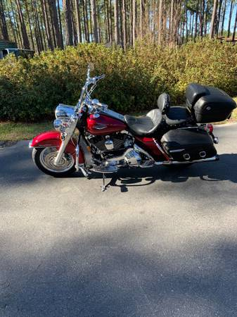 Photo 2005 Harley Davidson Road King Classic - $8,500 (Eastman)