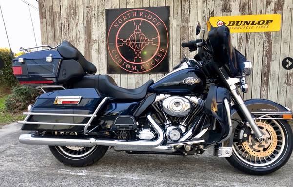 Photo 2012 Harley Davidson Ultra Classic Electra Glide - $11,995 (Charleston)