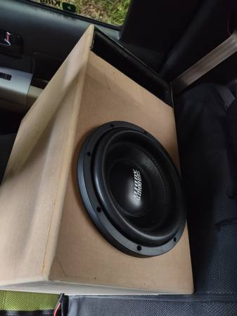 Photo BRAND NEW SUNDOWN AUDIO 10 INCH SUBWOOFER WITH TUNED HUGE PORTED BOX (Warner robins)