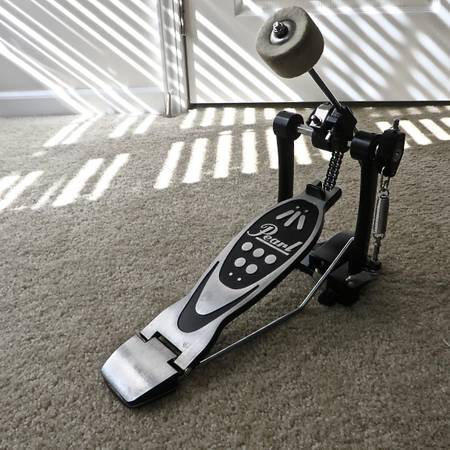 Photo Pearl Double Chain Bass Drum Pedal (Like New) - $45 (Conway  Carolina Forest)