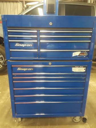 Photo Snap On Rolling Tool Box With Top - $2,100 (Swainsboro)
