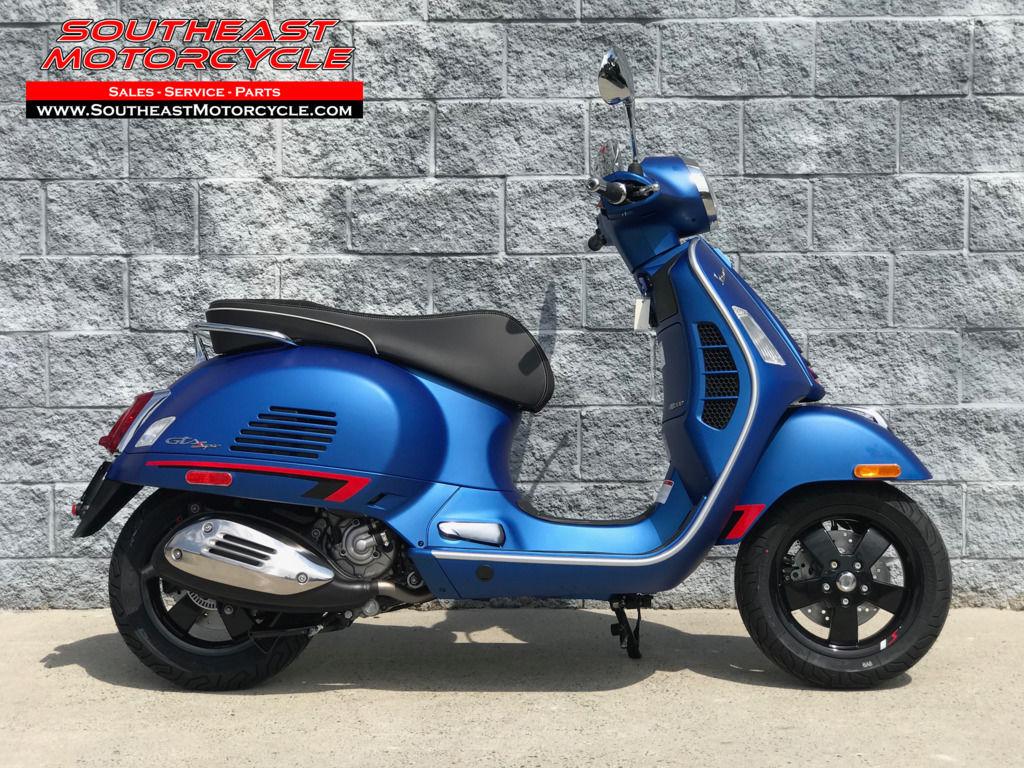 Photo 2020 Vespa GTS 300 Super HPE ABS $7299