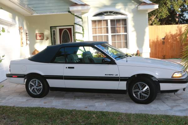 Photo 1991 Pontiac Sunbird Convertible LE - $3995 (St Augustine Beach)