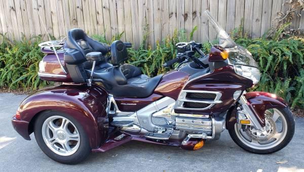 Photo 2006 Honda Goldwing gl1800 trike with 12k miles - $18,900 (Cocoa)