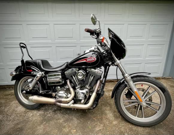 Photo 2006 dyna harley davidaon - $7,000 (Gainesville)
