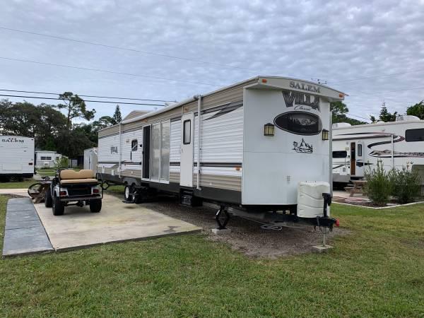 Photo 2015 Salem Villa 4002Q park model cer travel trailer - $25,000 (Port Orange)