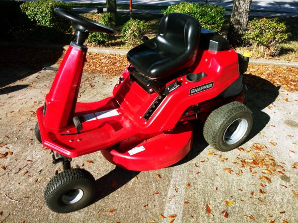 Photo 2015 Snapper Riding Lawn Mower - $695 (Palm Coast)