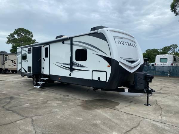 Photo 2018 Keystone Outback 335CG Travel Trailer - $40,300 (Ormond Beach)