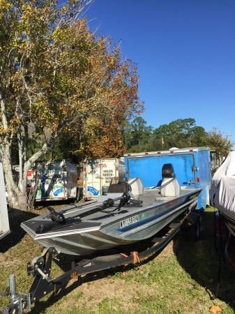 Photo Bass Tracker Boat, Motor - $2500 (Palm Coast)