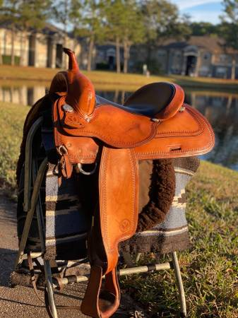 Photo Circle y flex tree saddle 17 - $800 (St Augustine, fl)