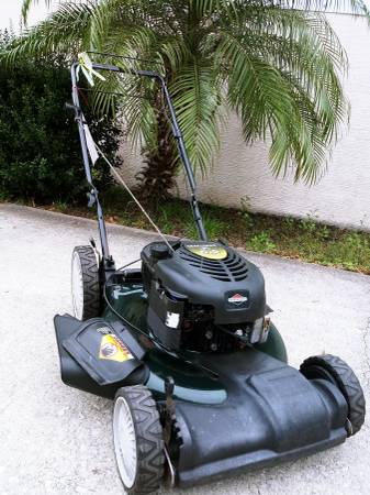 Photo Craftsman Self-Propelled Drive Lawn Mower - Ready to Mow - $110 (Palm Coast)