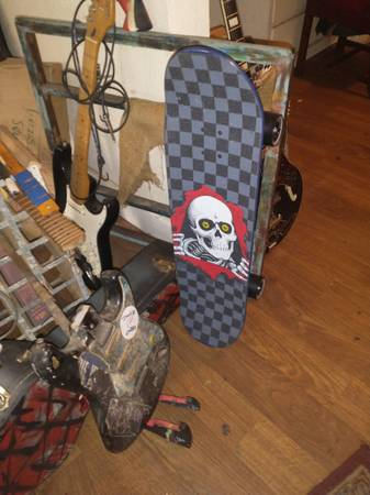 Photo Custom SK8 with Carver trucks and Powell Peralta deck - $250 (St Augustine)