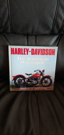 Photo Harley Davidson The American Motorcycle - $10 (Edgewater)