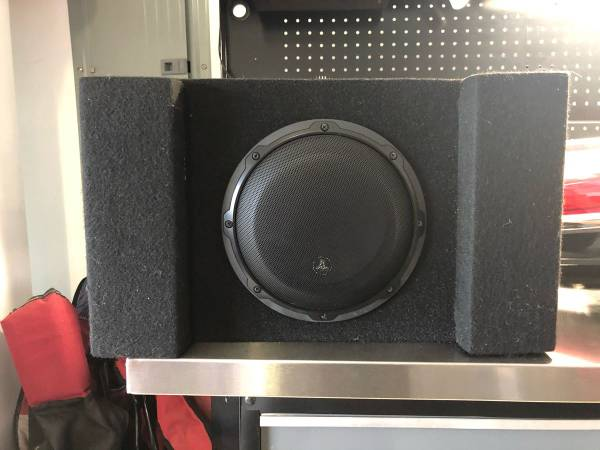 Photo JL Audio 8 Sub in box with built in Amp. - $125 (St. Augustine)