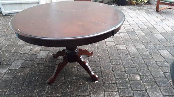 Photo Pier 1 Pedestal table in good cond - $22 (Ponte Vedra, Nocatee)
