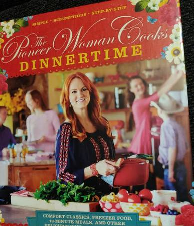Photo Pioneer Woman Cooks DINNERTIME - $12 (Weirsdale)