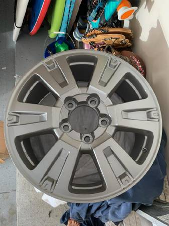 Photo Toyota factory powder coated 20 inch Rims - $320 (St Augustine)