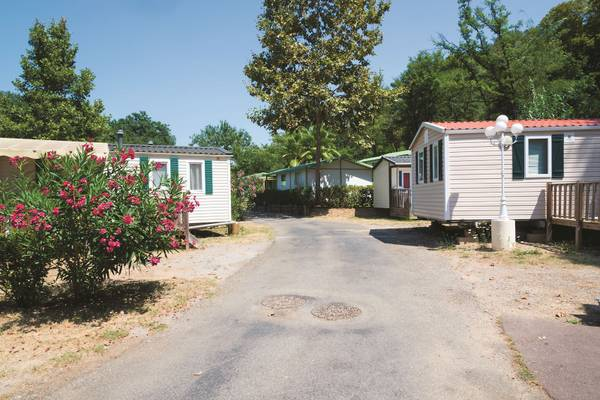 Photo Wanted Mobile home park or apartment complex (NE  central Florida)