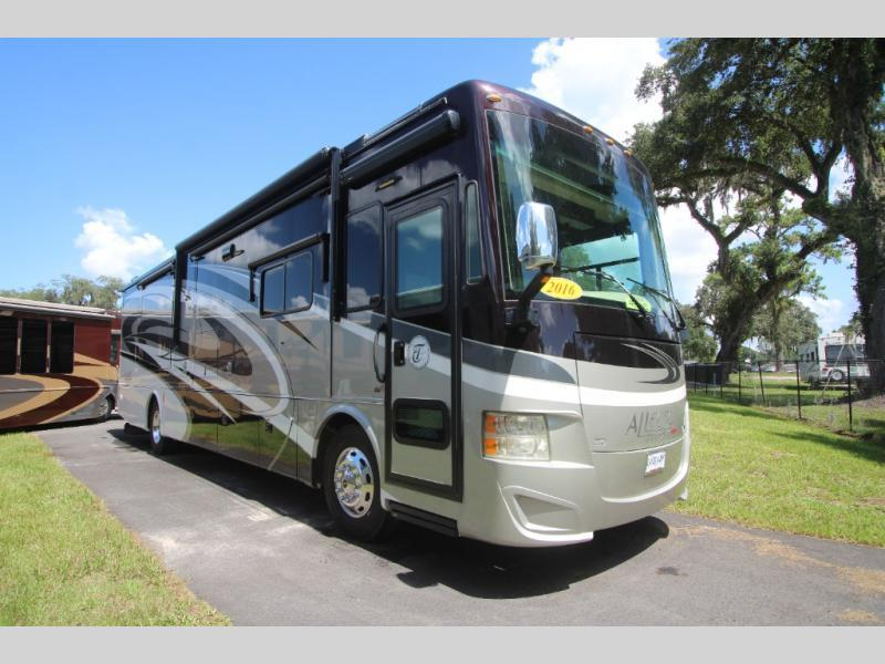 Photo Used 2016 Tiffin Motorhomes Class A RV  $169999