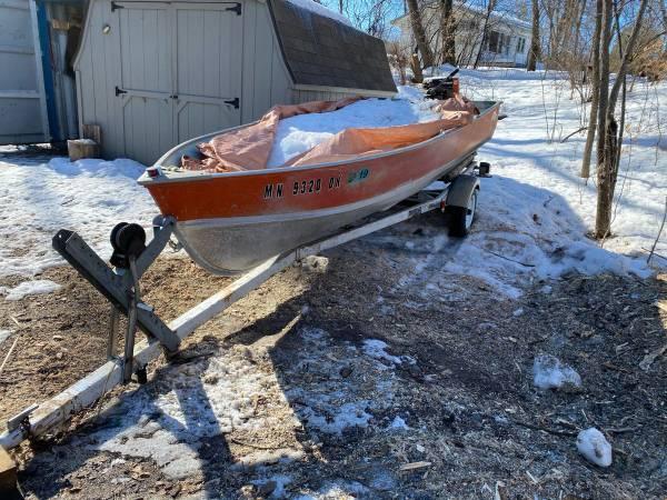 Photo 1975 14 Lund fishing boat - $1200 (Maple lake)