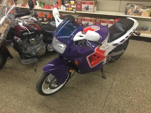 Photo 1989 Honda CBR 600 selling as is - $800 (Paynesville)