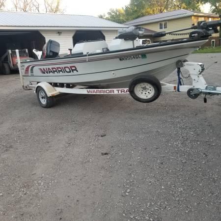 Photo 1996 warrior 1739 fishing boat for sale - $9,000 (Pennock mn)
