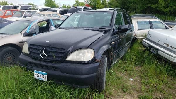Photo 2001 Mercedes ML320 PARTS (black) 98-04 (Wilmar, MN)