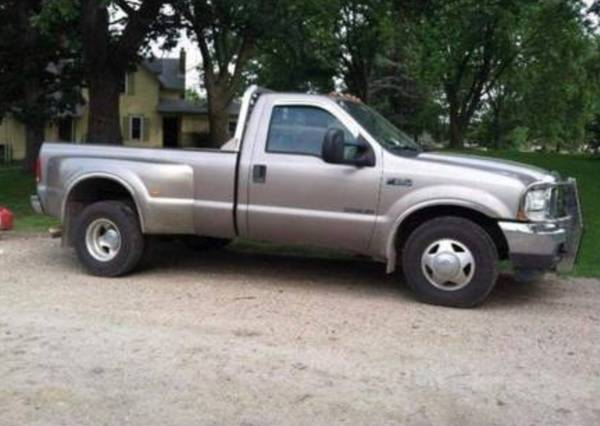 Photo 2003 ford f350 dually 7.3 low mile ... no rust - $10500 (South Haven)