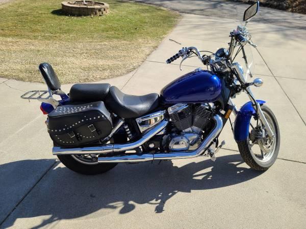Photo 2004 Honda Shadow 1100 - $3,000 (Avon)