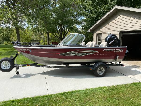 Photo 2010 Crestliner 1650 Fish Hawk - $14,500 (Little Falls)