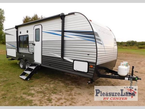 Photo 2021 Prime Time Avenger 26BK - Pleasureland RV STC Budget Lot - $17,175 (Pleasureland RV St Cloud Budget Lot)
