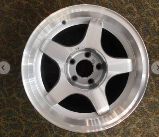 Photo 3 NEW 1994-96 Chevy Impala SS OEM 5 Spoke Aluminum Wheels Rims Tires - $9 (St. Cloud)