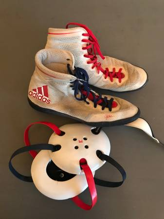 Photo Adidas wrestling shoes and headgear - $125 (St Cloud)